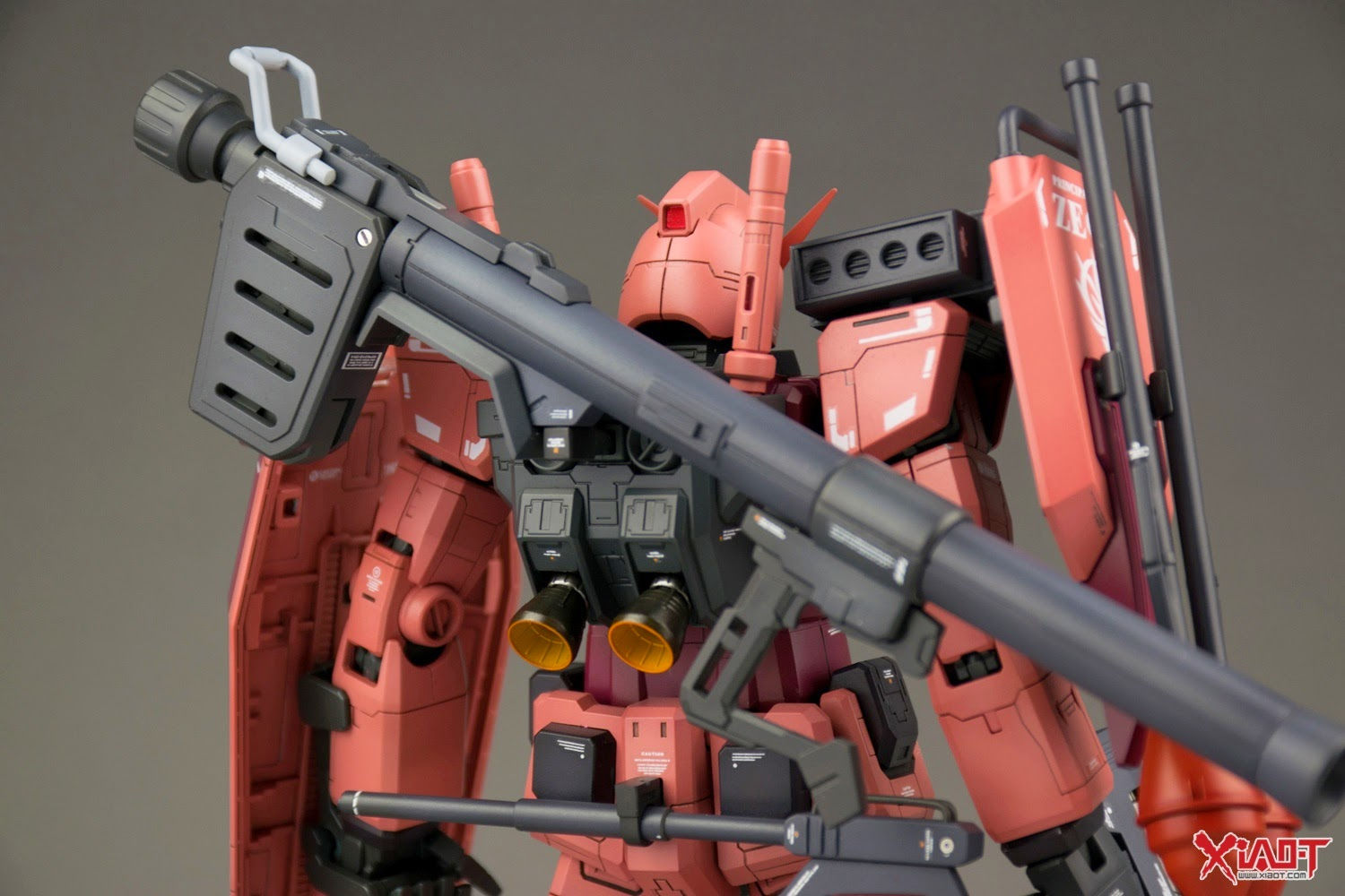 RX-78 CA MG 1/100 RX-78/C.A. Char Aznable's Customized Gundam - Custom Build