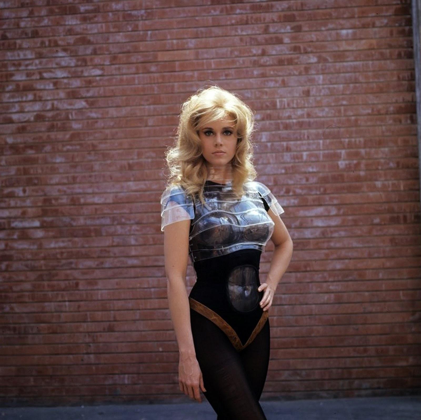Pop Focus Jane Fonda As Barbarella