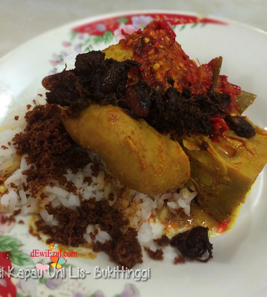 Nasi Kapau Uni Lis, menu makan usus nasi padang