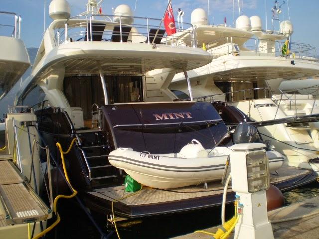 Mint-Yacht