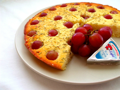 A Healthful Gluten-Free Life: Rosemary Grape Focaccia