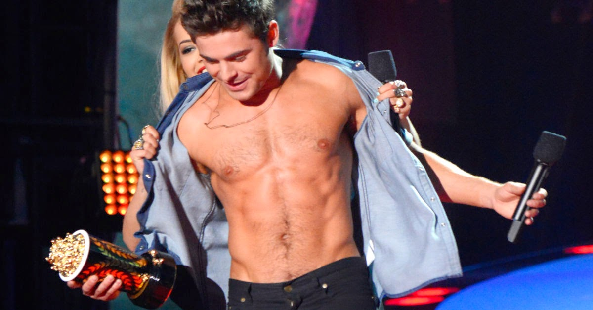 Zac Efron, shirtless in MTV Movie Awards