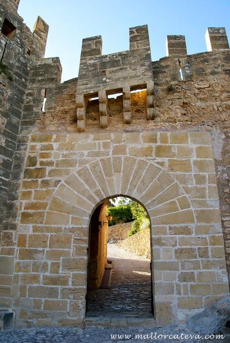 capdepera entrada castillo