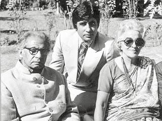Amitabh Bachchan with father Harivansah Rai and Mother Teji Bachchan