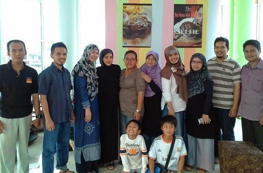 Foto Bersama Setelah Training Blogspot