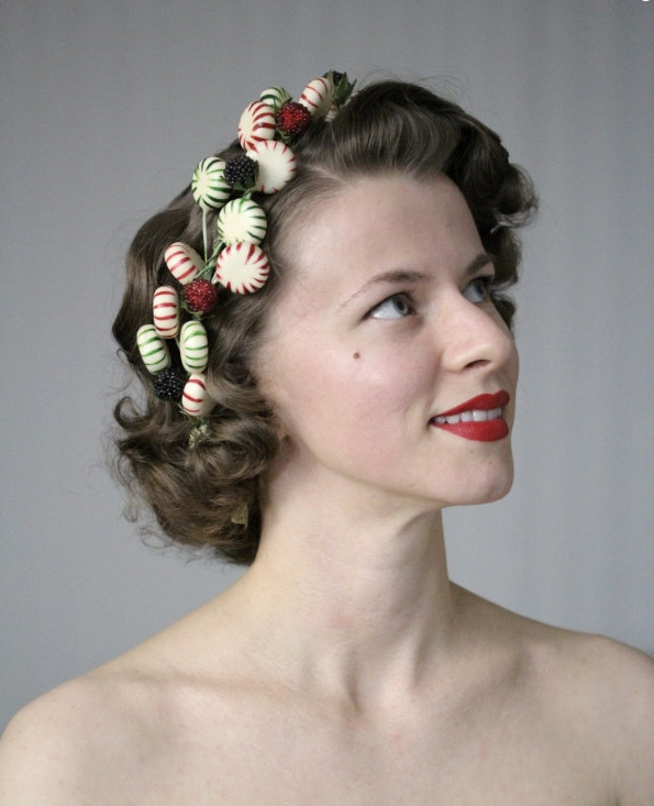 Adorable Holiday Hair Wreath #holiday #hair #christmas #hairstyle