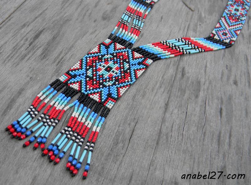 этническое украшение из бисера