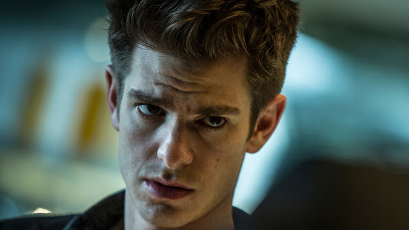 andrew garfield as peter parker in the amazing spider
