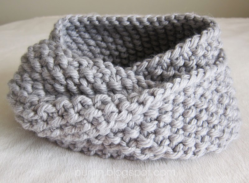Free Knitting Pattern For Tube Scarf : Purllin: December Seed Stitch Infinity Circle Scarf [ free knitting pattern ]
