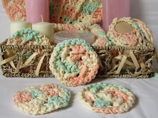 Add these reusable scrubbies to a gift basket with my other free crochet patterns!