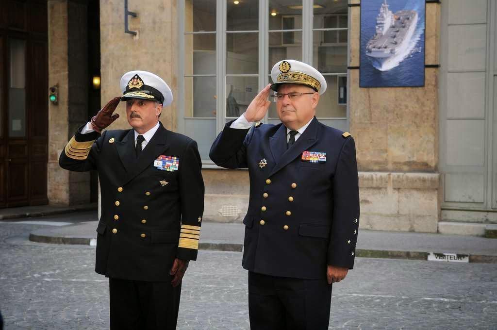 http://www.defense.gouv.fr/marine/actu-marine/l-amiral-bernard-rogel-a-recu-son-homologue-chilien
