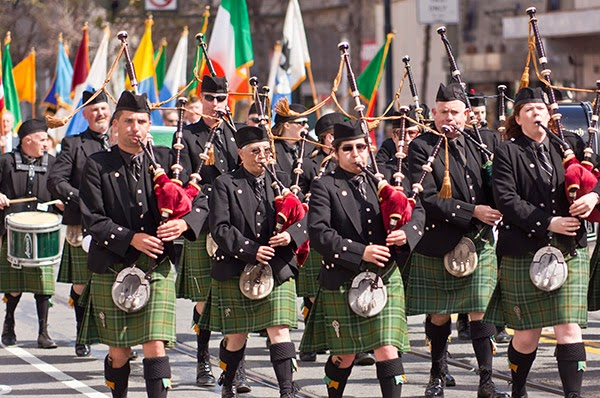 st-st patrick-saint patrick: Happy St Patick's Day Pipes And Drums