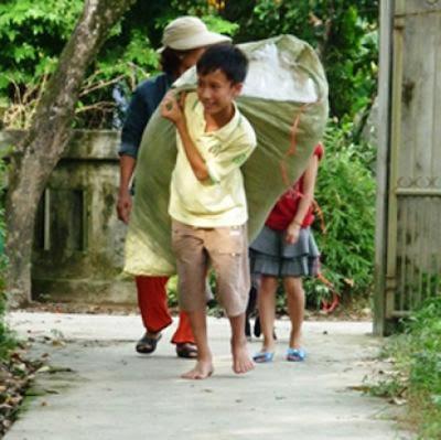 """Người phụ nữ """"nghĩa hiệp"""" vì người nghèo"""