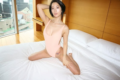 Clara Lee Sexy American Apparel CF