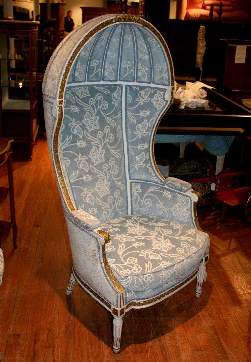 The Style Reportedly Originated In Medieval England Or Northern Europe, For  Use By The Porter Of The House, Who Would Sit Near The Front Door To Greet  ...