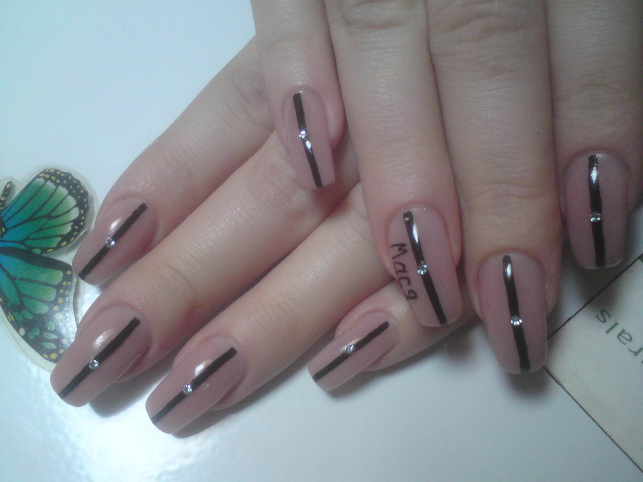 Ногти с широкой ногтевой пластиной