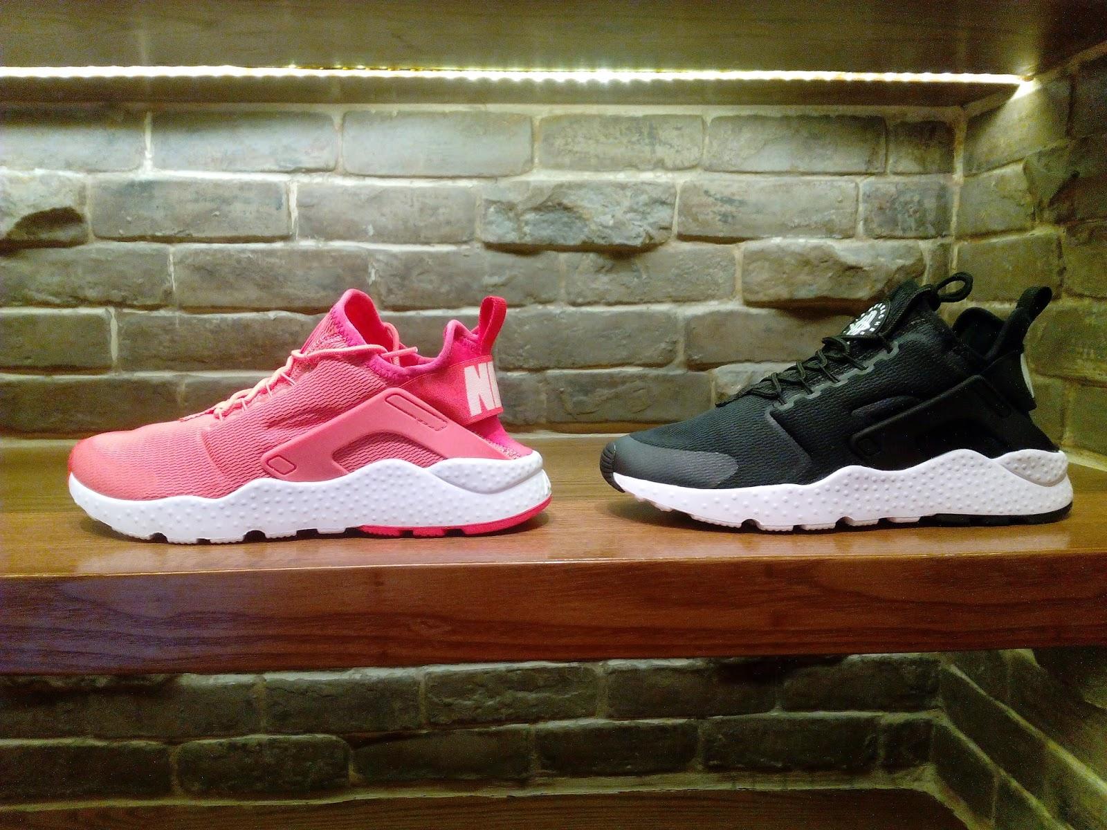 62a753943dc1 Nike WMNS Air Huarache Run Ultra