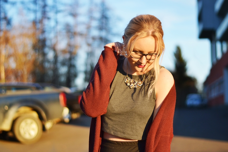 Outfit_Wollcardigan_Crop_Top