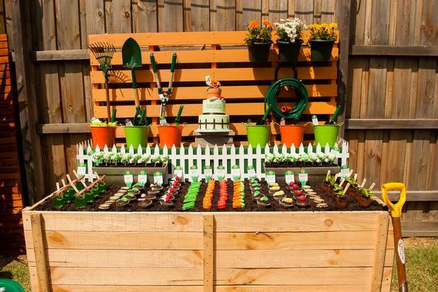 mesa de jardim jumbo : mesa de jardim jumbo:mesa infantil perceberam que os bancos são vasos de jardim de