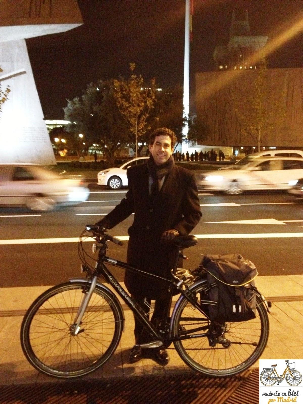 Mu vete en bici por madrid siempre puedes encontrar una - Trabajo desde casa madrid ensobrando ...