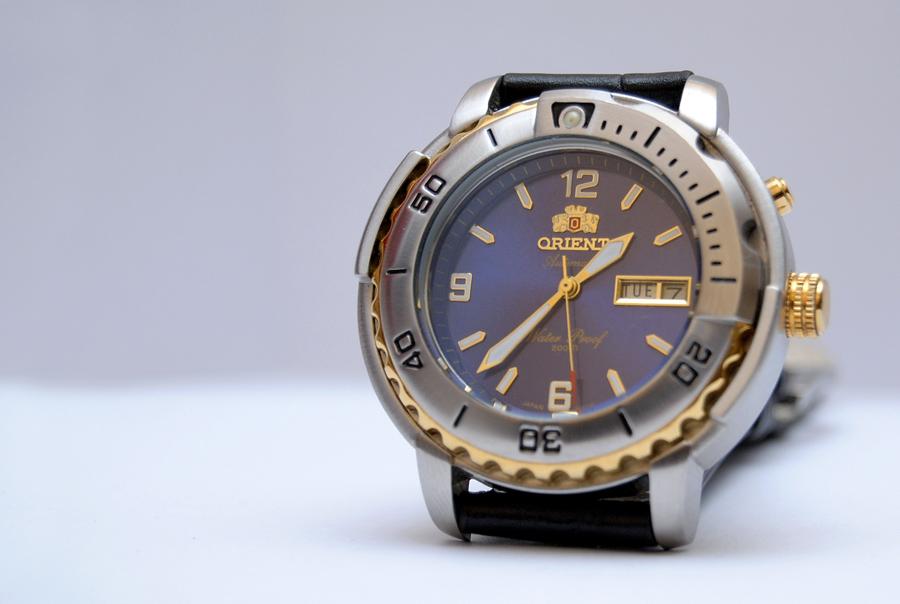 Jam tangan 4 u orient automatic model tuna used item for Orient mobel