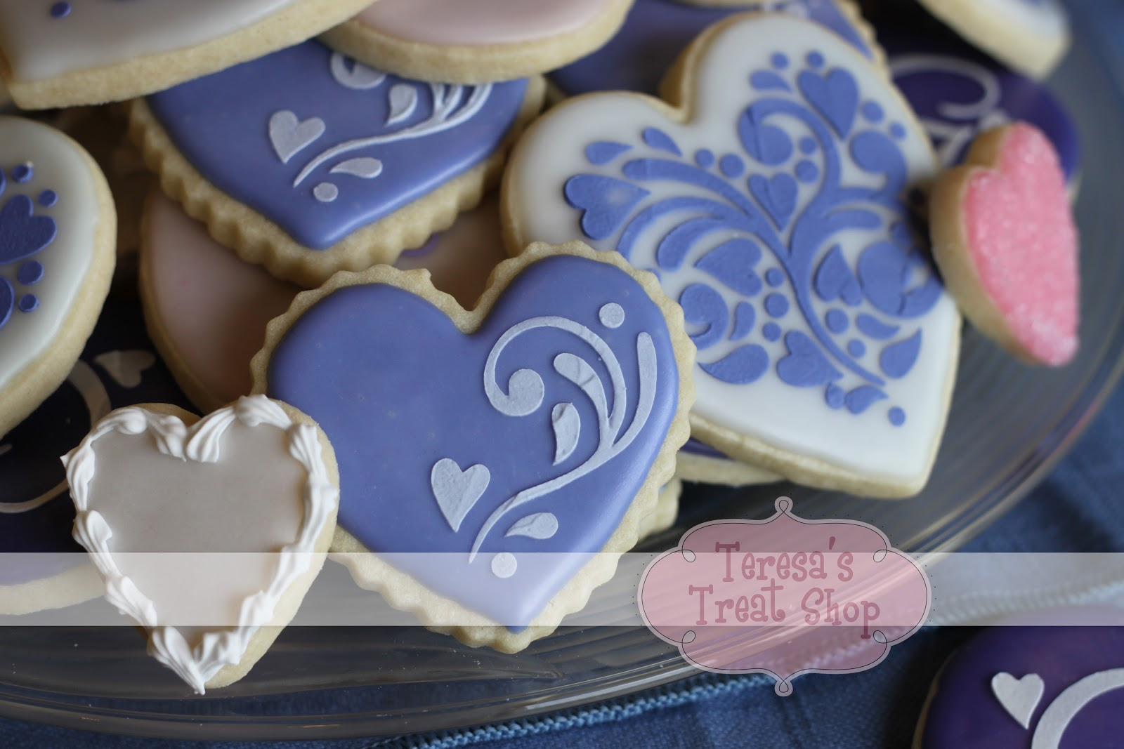 Teresa\'s Treat Shop: Stenciled Wedding Cookies