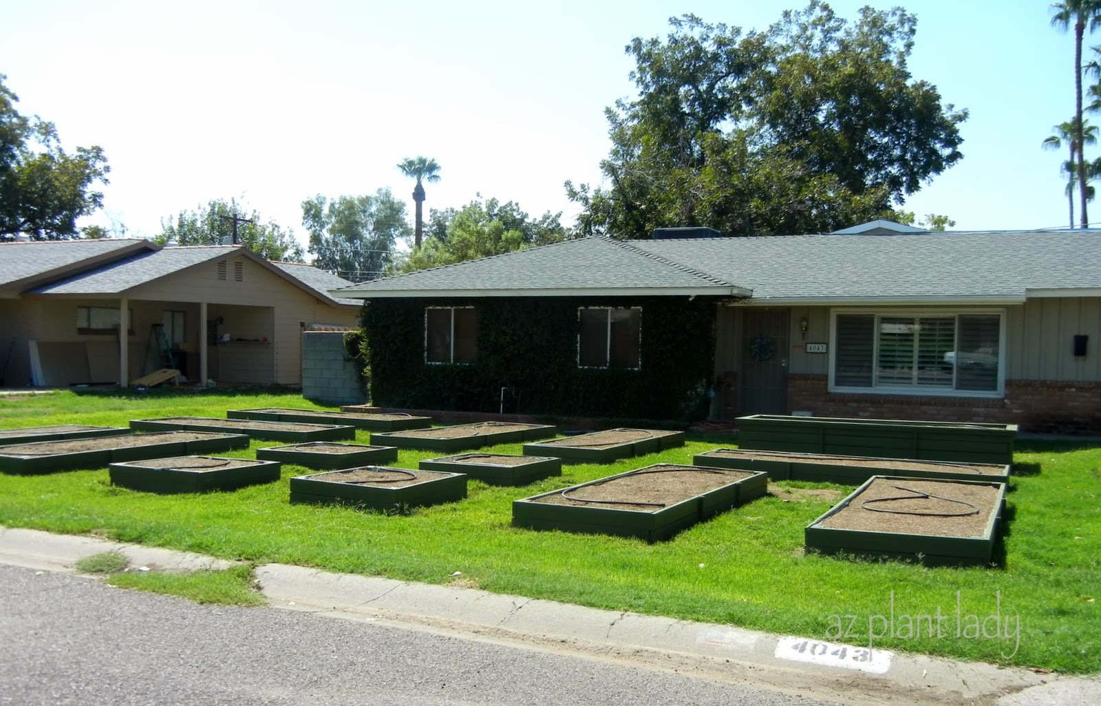 A Couple Of Years Ago, I Was Driving Home From A Landscape Consult And Saw  This Homeu0027s Front Yard Filled With Raised Beds.