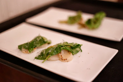 Hay+smoked+scallops+with+grilled+fennel%2C+sorrel+and+fennel+pollen ...