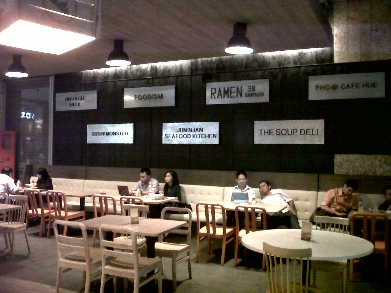 Urban Kitchen Food Court, A New Concept in Jakarta 'Tempo ...
