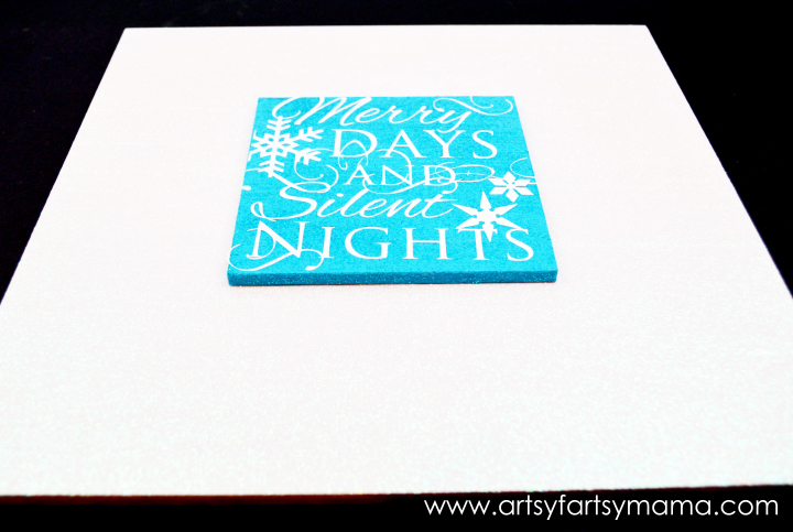 Merry Days Plaque at artsyfartsymama.com #Christmas #holidaydecor