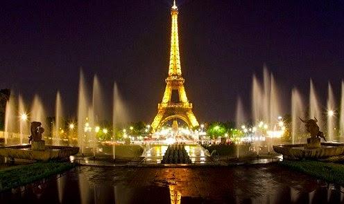 Indahnya foto Menara Eiffel