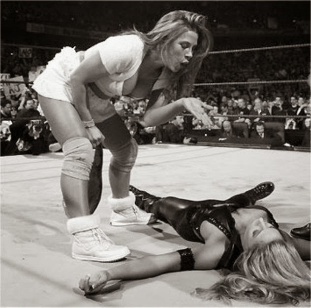 The History of the WWE Divas at WrestleMania