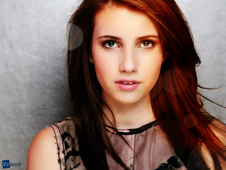 Emma Roberts Beautiful Looks Blurred Lights HD Wallpaper
