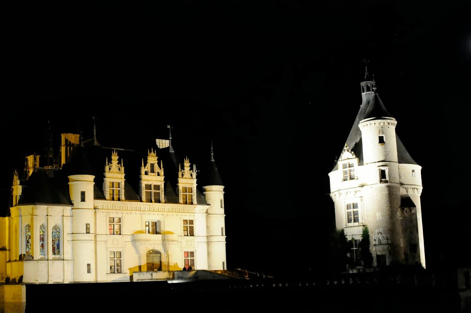 """Les petites vacances """"le château de Chenonceau en nocturne"""""""
