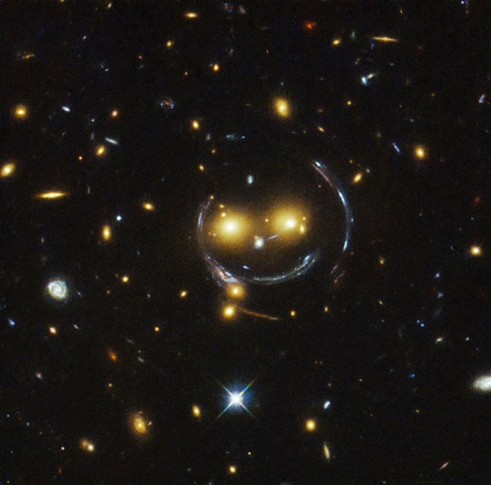 smiley SDSS J1038+4849