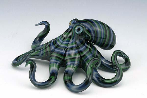 14-Poison-Octopus-Scott-Bisson-Glass-Sea-and-Land-Animals-www-designstack-co