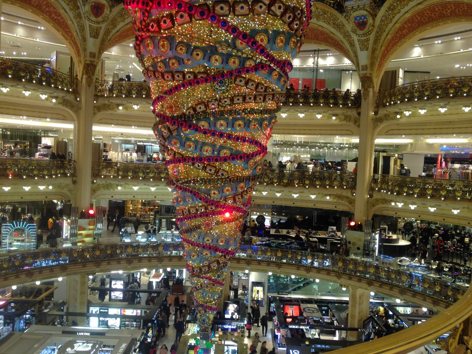 2014 Christmas tree at Galeries Lafayette, Paris