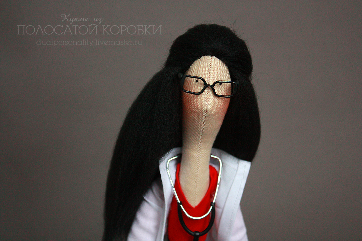 Текстильная кукла врач