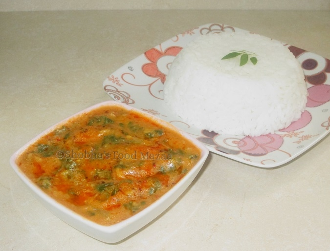 Shobha's Food Mazaa: SPICY SPINACH WITH COCONUT