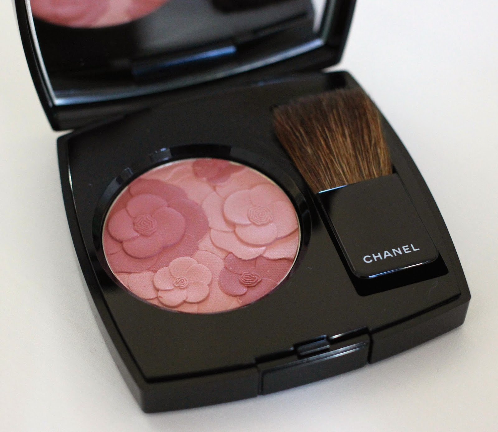 Review jardin de chanel blush camelia rose just lovely for Jardin de chanel blush 2015 kaufen
