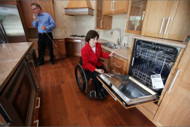 Media dis dat universal design living laboratory in ohio for How to find handicap accessible housing