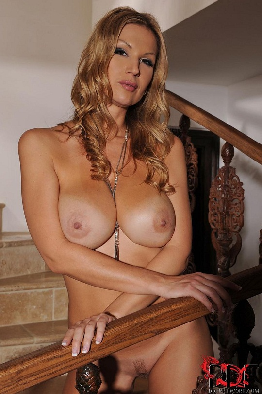 nude mature carol goldernova. The young girls get fucked by older babes, ...