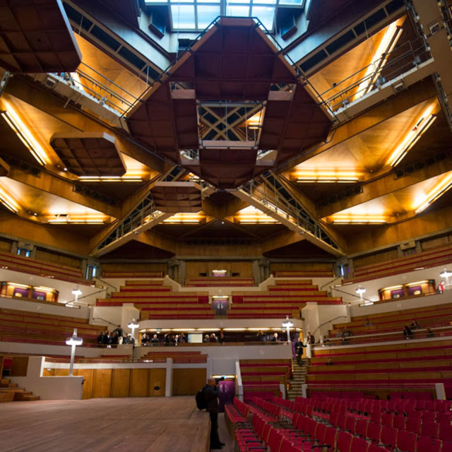 10-Tivoli-Vredenburg-by-Architectuurstudio-HH