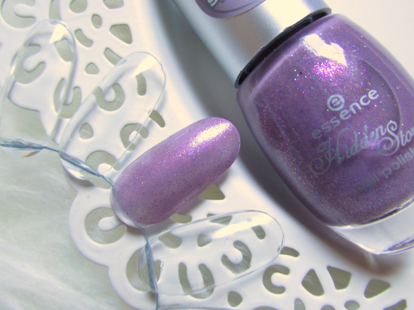 essence Hidden Stories - Nail Polish 03 Mauve-llous Fairy - Swatches