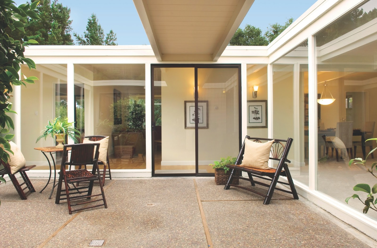 White floors joseph eichler american mid century modern homes for Mid century modern prefab homes