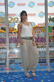 Jacqueline Fernandez Pictures New Ride Launch at Essel World  0002