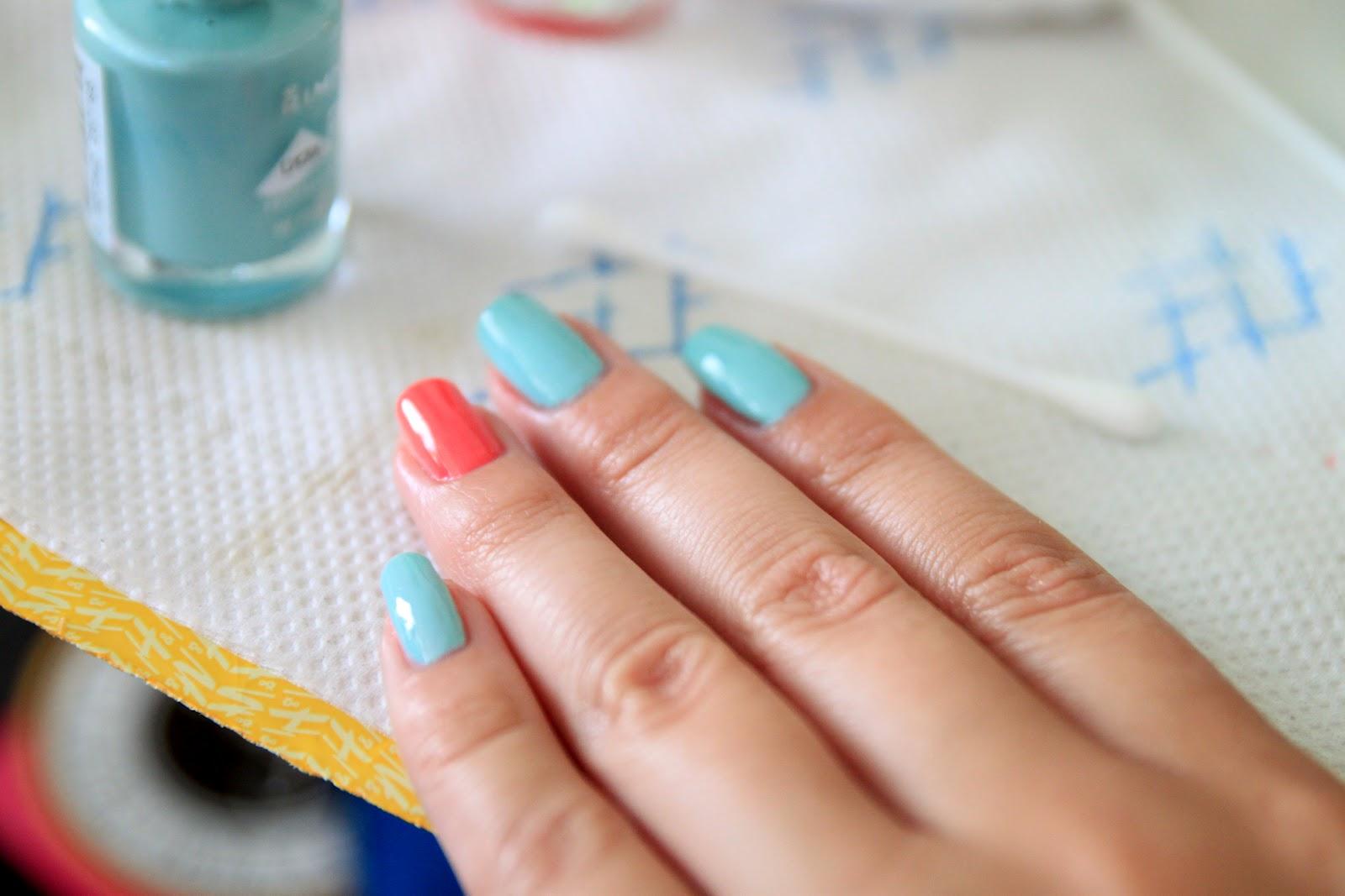 Шеллак ментоловые ногти фото
