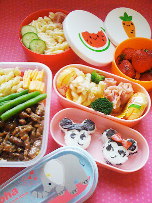 Mickey Mouse and Minnie Mouse Onigiri Bento