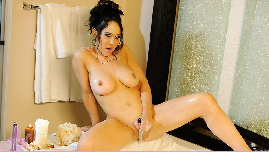 And below is the NSFW movie trailer of the Octomom porn released today from ...