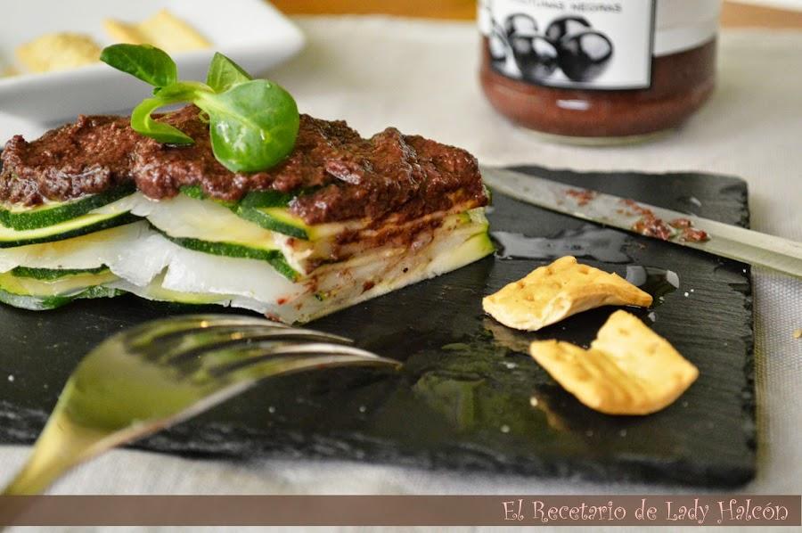 Una receta para sorprender: mihojas de carpaccio de calabacín, bacalao ahumado y aceitunas